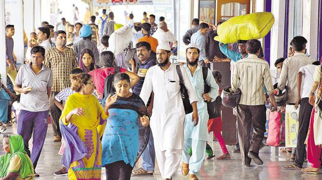 Despite the rush of passengers, the station has only one washroom for general category passengers, no ATMs and no arrangement for meals.(HT Photo)