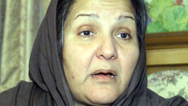 File photo of Kulsoom Nawaz, the wife of ousted Pakistani Prime Minister Nawaz Shari in Islamabad.(REUTERS)