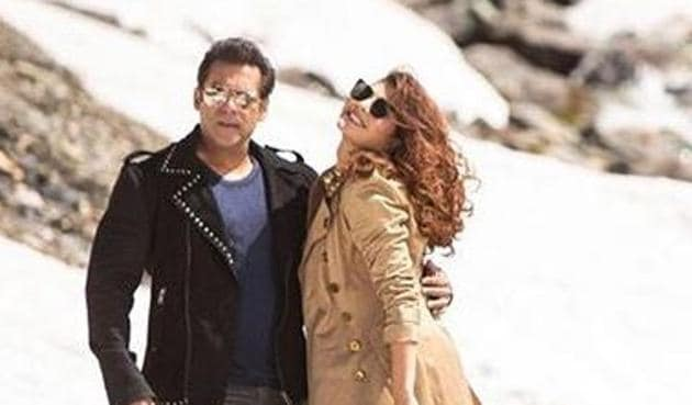 Race 3 box office collection stays strong as the Salman Khan film earns Rs 106.4 crore within three days of release.