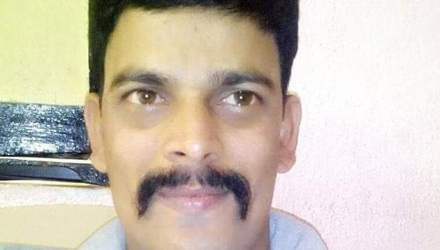 K Hanumantha Rao gave pesticide to his wife Meena (28) and two daughters Minny (5) and Bunny (3) before hanging himself at his house in Bharat Nagar in Siddipet town.(HT Photo)