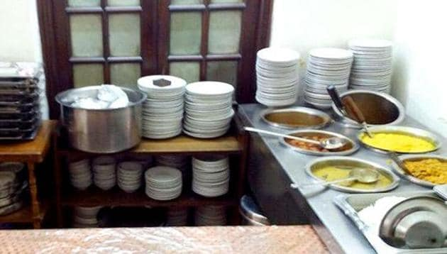 To ensure that the food served in its canteens is wholesome and hygienic, the government is training people as food safety supervisors for cafeterias run by its departments.(HT File Photo)