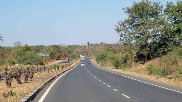 The Mumbai-Nagpur Samruddhi Expressway is considered Maharashtra chief minister Devendra Fadnavis' dream project.(FOR REPRESENTATION/HT)