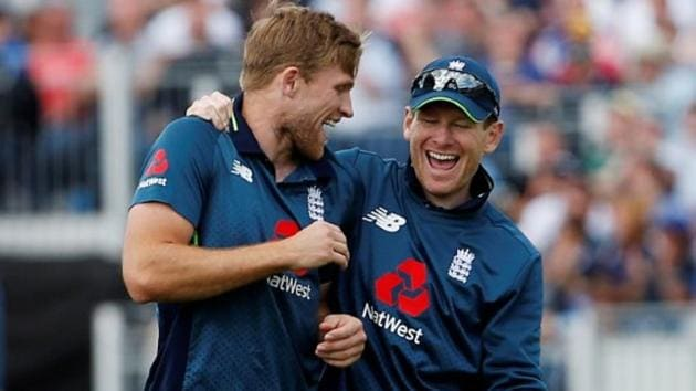 Eoin Morgan and David Willey in action during the fourth ODI between England and Australia in Chester-le-Street on Thursday.(REUTERS)