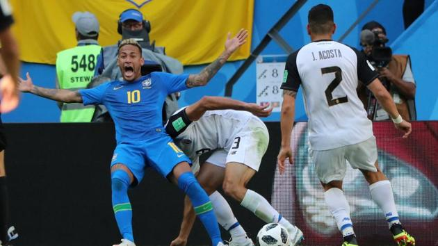 Brazil's Neymar appeals after a challenge in the penalty area from Costa Rica's Giancarlo Gonzalez during their FIFA World Cup 2018 Group E match at Saint Petersburg Stadium, Saint Petersburg, Russia on June 22, 2018.(REUTERS)