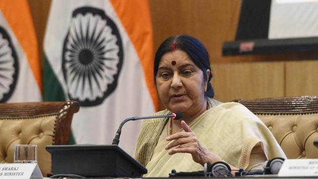 External affairs minister Sushma Swaraj addresses a press conference at Jawahar Bhawan, Janpath in New Delhi.(Mohd Zakir/HT File Photo)
