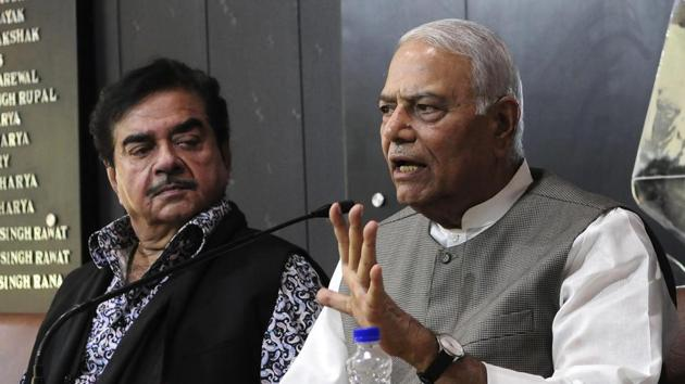A file photo of BJP MP Shatrughan Sinha and former Union minister Yashwant Sinha at a press conference at Chandigarh Press Club on May 20, 2018.(HT File Photo)