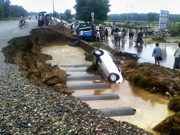 Udham Singh Nagar witnessed 146 accidents and 92 accidental deaths from January 1 to May 31 this year, according to a survey by the Uttarakhand traffic police department.(AP File Photo)