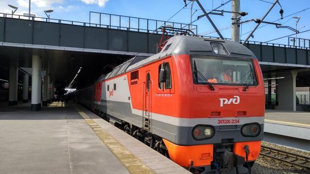 With FIFA World Cup 2018 being held in 11 cities (Moscow, Kaliningrad, St. Petersburg, Volgograd, Kazan, Nizhny Novgorod, Samara, Saransk, Rostov-on-Don, Sochi and Yekaterinburg), these trains help people reach their venues.(HT Photo)