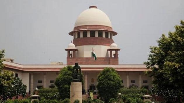 A report relating to allegations against the ED officer investigating the 2G spectrum case was given to the Supreme Court by additional solicitor general Bikramjit Banerjee in a sealed envelope.(AP File Photo)