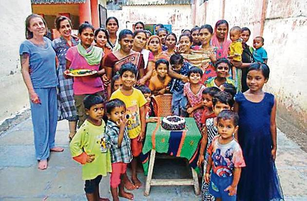 Two-year-old Rishikesh (centre) was born inside the prison, where his mother is lodged. His birthday celebrations were part of the prison's new approach towards inmates' children(HT Photo)