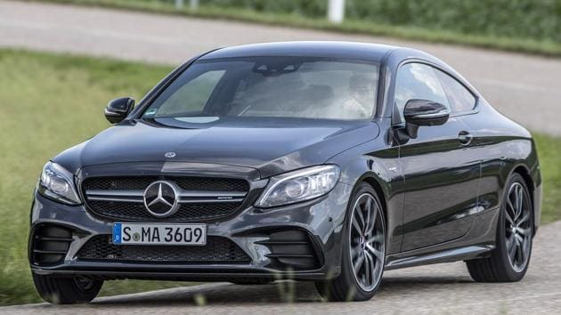 The exterior of the 2018 Mercedes Benz C class is largely the same, with only minor changes to the grilles, bumpers and wheels to report.