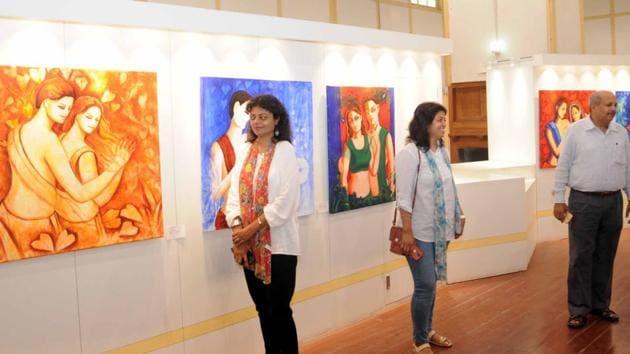 Visitors at an art exhibition in Ranchi on Monday, June 25, 2018.(Diwakar Prasad/ Hindustan Times)