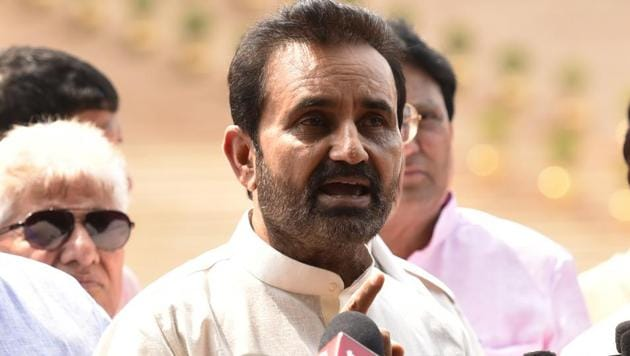 Congress leader Shaktisinh Gohil alleged that a 'Bitcoin Scam' of over Rs 5,000 crore has surfaced in Gujarat, and charged the top BJP leadership in Gujarat with being involved in converting black money.(HT File Photo)