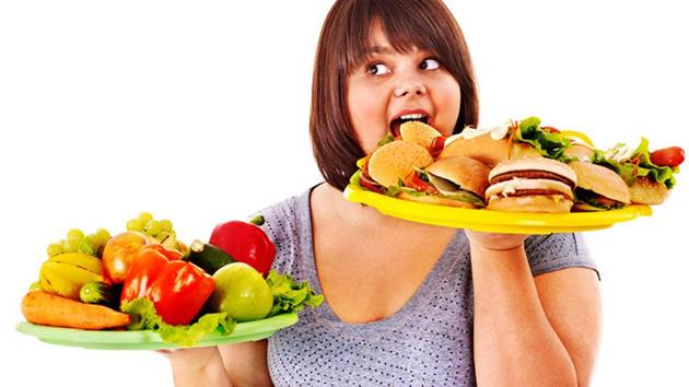 Belly fat: Fitness experts suggest that you should focus on burning belly fat than calories to stay fit and healthy in old age.(Shutterstock)