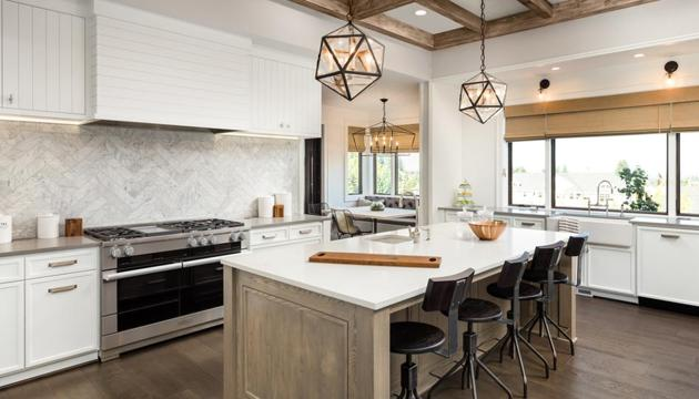Ensure your kitchen is well-lit, and the space has high-tech tools and easy-to-reach shelves.(Shutterstock)