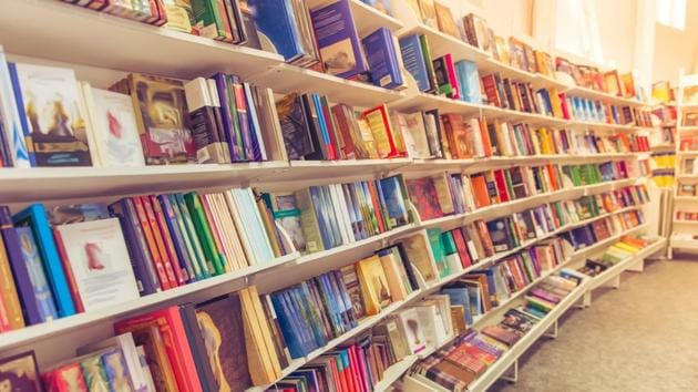 Here's your weekly guide to the best-selling fiction, non-fiction and children's books..(Shutterstock)