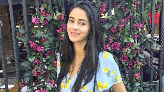 Ananya Panday's bold shiny jeans are unexpected but pretty amazing