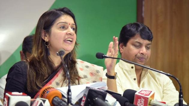 Priyanka Chaturvedi interacts with media persons at party office in Jaipur on Wednesday.(Prabhakar Sharma/HT PHOTO)