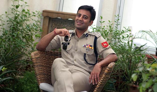 IPS Amit Lodha, Deputy Inspector General of the Border Security Force has written a book, which will soon be made into a Bollywood film.(PHOTO: SHIVAM SAXENA/HT)