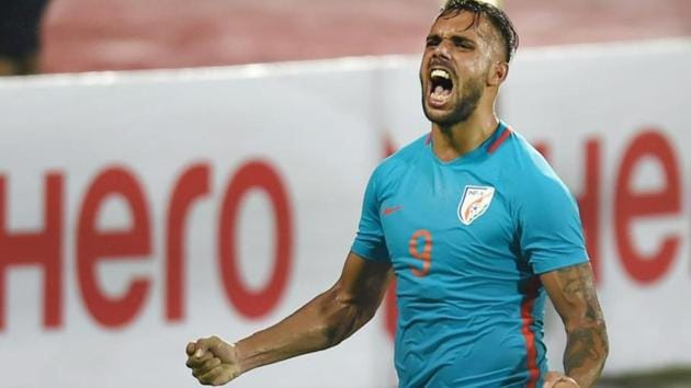 File image of Robin Singh during the Tri -Nation Series International friendly match in Mumbai.(PTI)