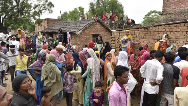 Relatives and neighbours of Rakbar Khan, who died after suspected cow vigilantes assaulted him at Alwar, on July 21.(Sanjeev Verma/HT PHOTO)