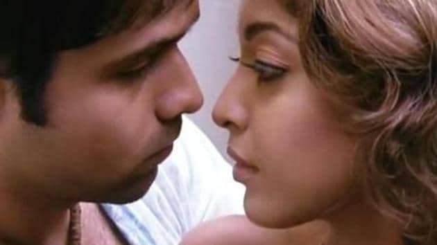 Emraan Hashmi and Tanushree Dutta in a still from Aashiq Banaya Aapne.