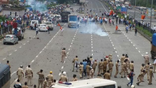 The scene on Sion-Panvel highway in Kalamboli on Wednesday.(Bachchan Kumar)