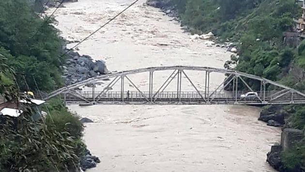 Torrential rain in the Sutlej catchment in Kannaur district has increased the water level.(HT Photo)