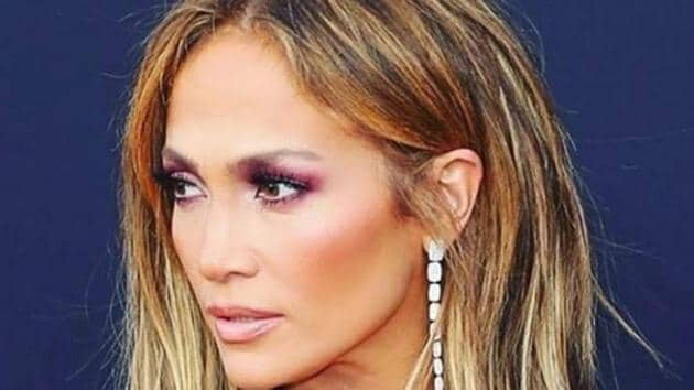 Jennifer Lopez is super fit, even at 49. Here's how.(Shutterstock)