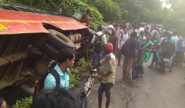 The incident took place near Manjurli village as the bus was heading to Saphale town, around 98km away from Mumbai.(Navin Patil)