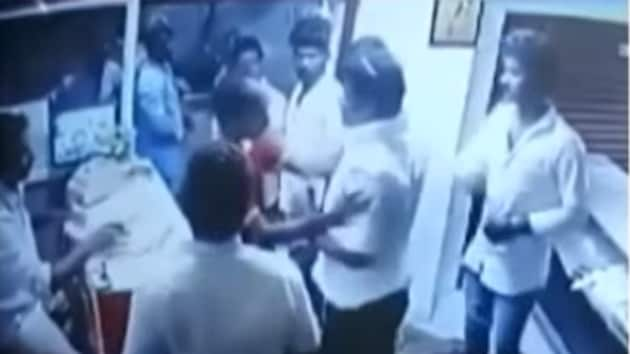 A DMK worker allegedly assaulted the employees of a restaurant in Chennai after it declined to serve him food since it had closed for the day.(YouTube grab from India Today)