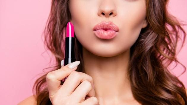 Here's how you can pick the right shade of lipstick(Shutterstock)