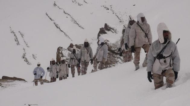 ITBP personnel patrol at Indo China border in Uttarakhand.(Photo courtesy: ITBP)
