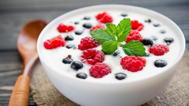 Yogurt is a probiotic and has detoxifying properties which makes it great for weight loss.(Shutterstock)
