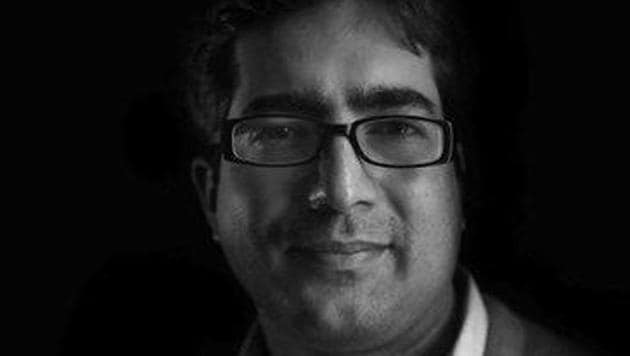IAS officer Shah Faesal said the special provisions for J-K is not a threat to India's integrity.(Twitter/@shahfaesal)