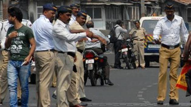 Mumbai Police accuse elderly police of assault and molestation. He later killed himself. (Representative photo)(Shakti Yadav/ HT file photo)