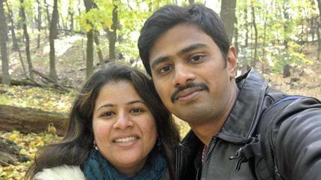 Srinivas Kuchibhotla, right, poses for photo with his wife Sunayana Dumala in Cedar Rapids, Iowa.(AP File Photo)