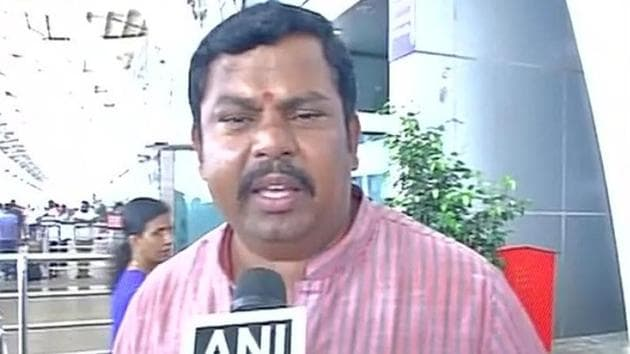 Raja Singh (pictured) recently kicked up a controversy by supporting incidents of lynching for cow slaughter.(ANI/Twitter)