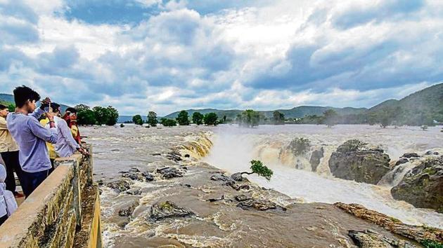 Heavy flow at Hogenakkal Falls, in Dharmapuri, Tamil Nadu.(PTI File Photo)