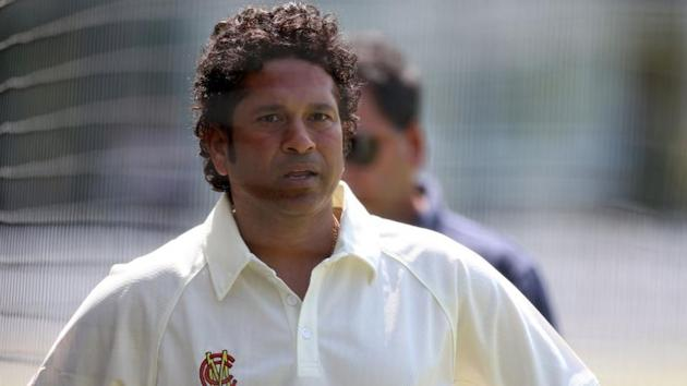 Sachin Tendulkar believes Test cricket should become more challenging for batsmen.(Twitter)