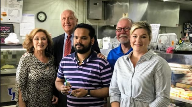 Ashland city's Mayor Steve Gilmore and three city commissioners visited Taj Sardar, the owner of the restaurant, to give support(Photo: Facebook/City of Ashland Ketucky Government)