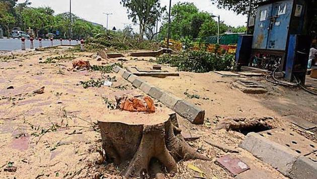 Delhi high court refused to give permission to resume construction at south Delhi's Nauroji Nagar.(HT Photo)