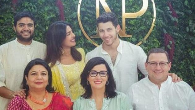Priyanka Chopra and Nick Jonas will be celebrated their engagement with their families on Saturday evening.(Instagram)