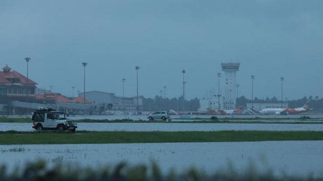 Kochi's International airport apron is seen flooded following monsoon rains in the Indian state of Kerala on August 15, 2018.(AFP Photo)