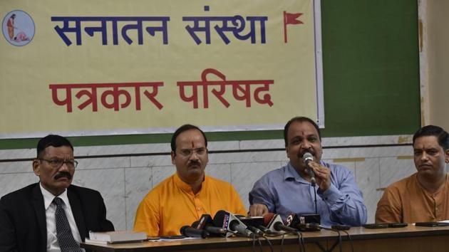 Abhay Vartak and Adv.Sanjeev Punalekar of Sanatan Sanstha addressing media on false information given by Police that Narcotics have been seized from Sanatan Ashram in Mumbai.(HT File Photo)
