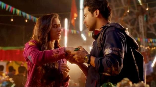 Shraddha Kapoor and Rajkummar Rao in Stree. Rajkummar falls in love with Shraddha, who everyone believes is a ghost.(YouTube)