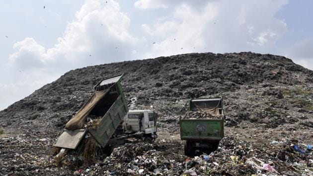New Delhi, India - Sept. 5, 2017: Trucks dumping garbage at Ghazipur Landfill site in New Delhi, India, on Tuesday, September 5, 2017. (Photo by Ravi Choudhary/ Hindustan Times)(Ravi Choudhary/HT PHOTO)