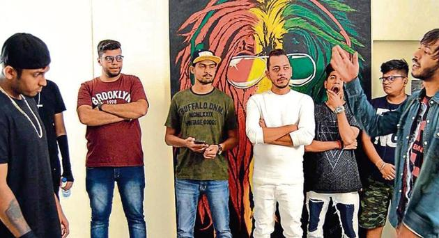 Amyth (centre) anchors a rap battle with local artistes at his Sector 47 studio 6FU, where rappers perform mano-a-mano to see who has the better verses(Pic courtesy: 6FU)