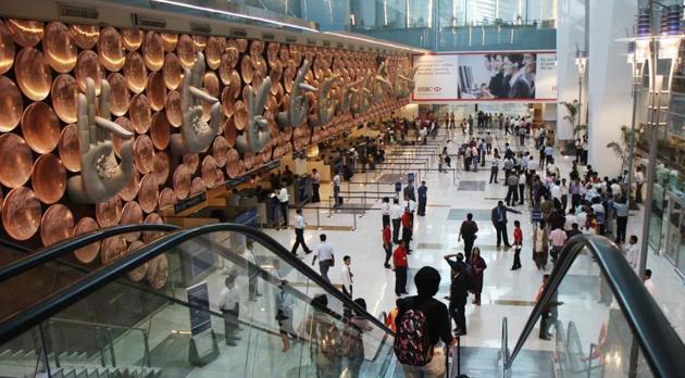 Passengers at Terminal 3 of IGI Airport in New Delhi.(Ajay Aggarwal/HT File Photo)