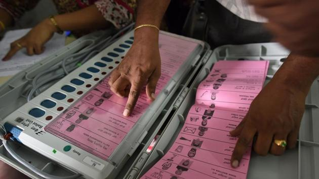 According to the report, an electronic voting machine (EVM), which includes a control unit (CU), a ballot unit (BU) and a VVPAT, costs about Rs 33,200.(HT/File Photo)